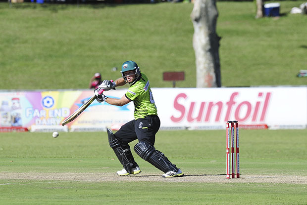 Jonker ends Knights hopes