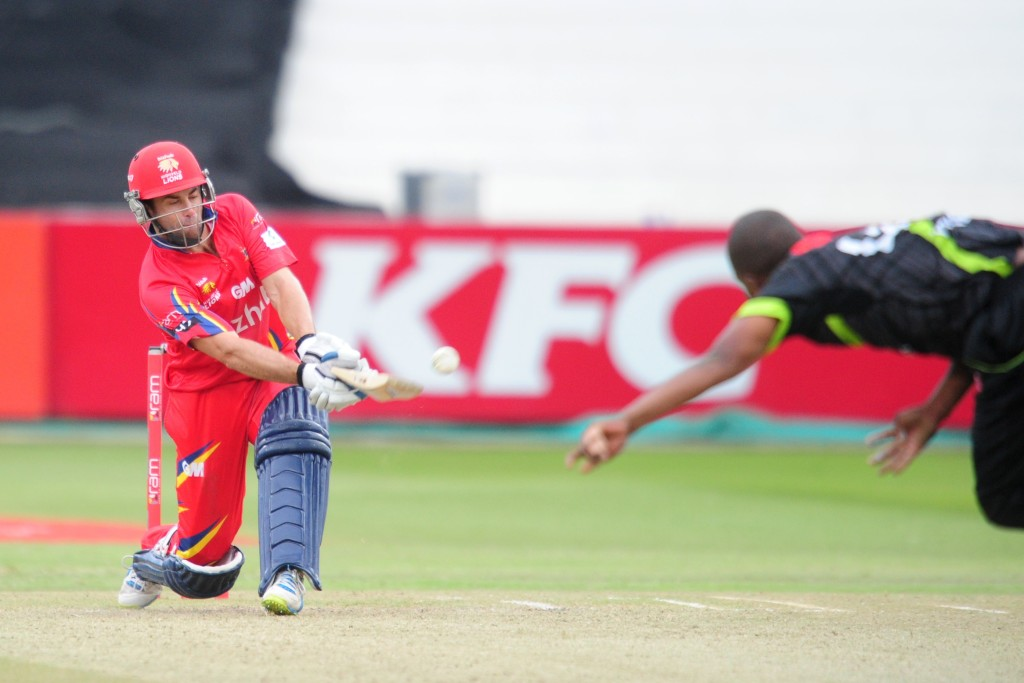 Victories for Cobras, Lions