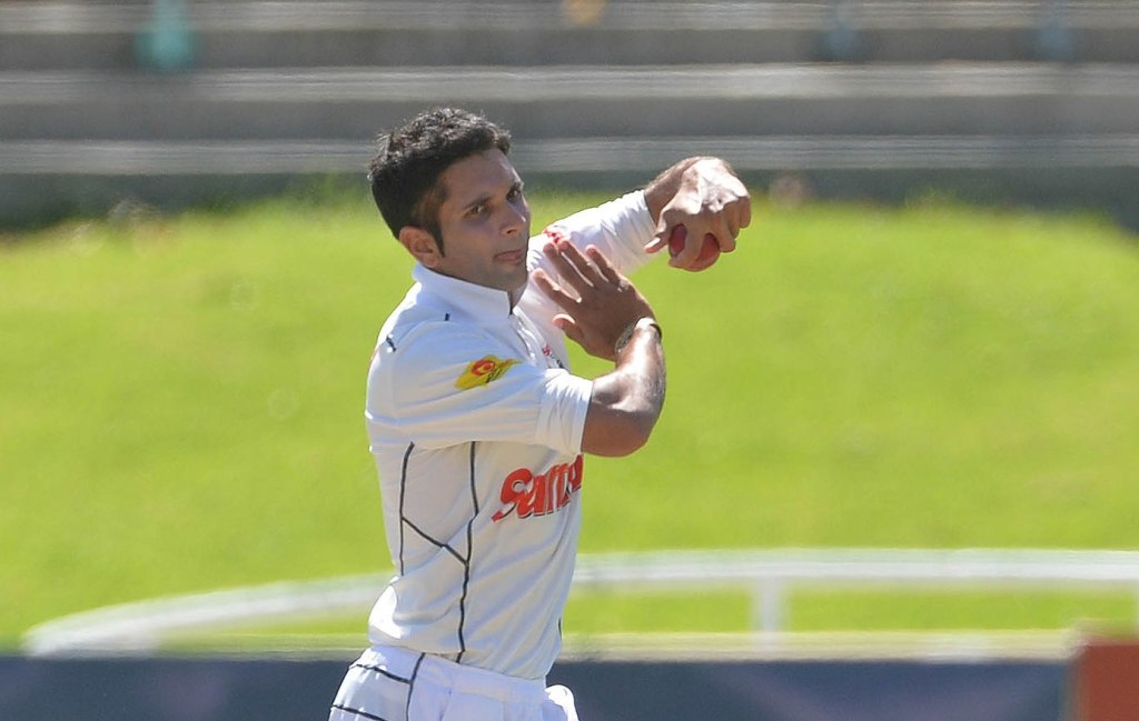 Maharaj breaks Cobras' back