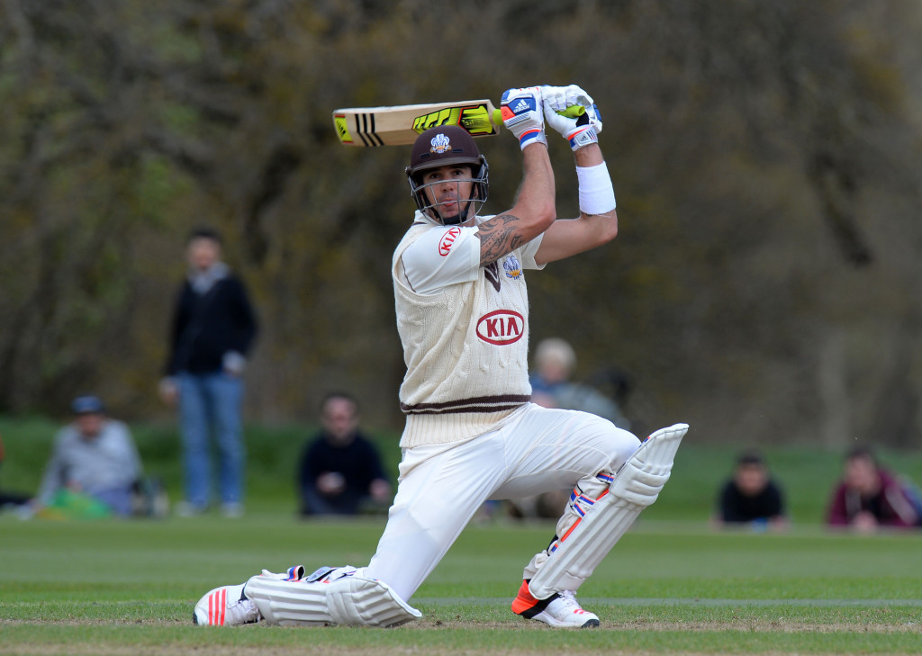 Smith, Waugh at odds over KP recall