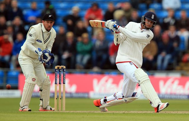 Broad stops England rot