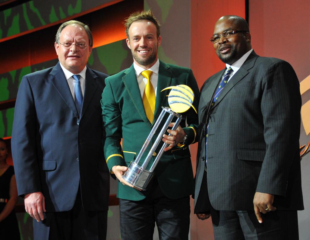 De Villiers does it again