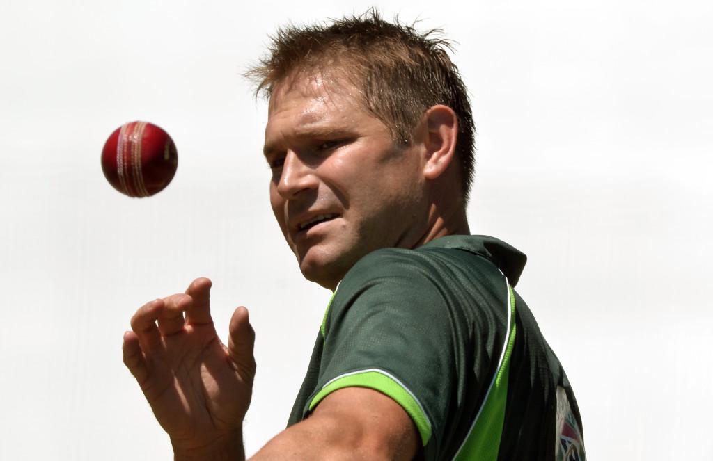 Australia rocked as Harris quits