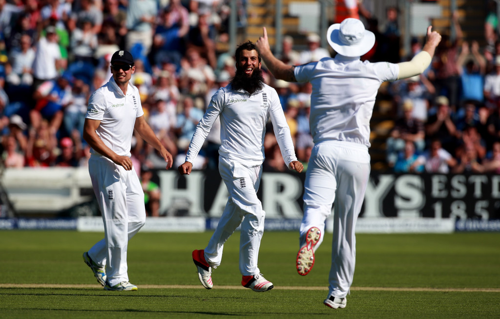 Moeen Ali stars as England hold edge