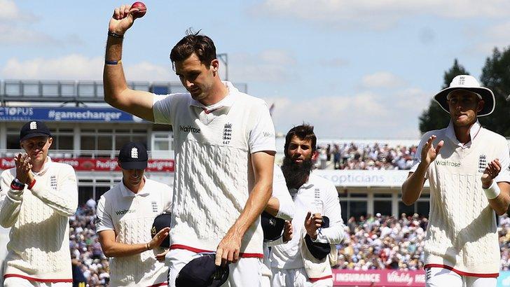 England complete comprehensive victory