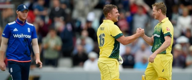 Australia thump England to clinch series