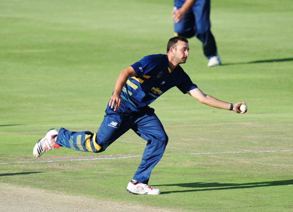 Knights look to strengthen bowling