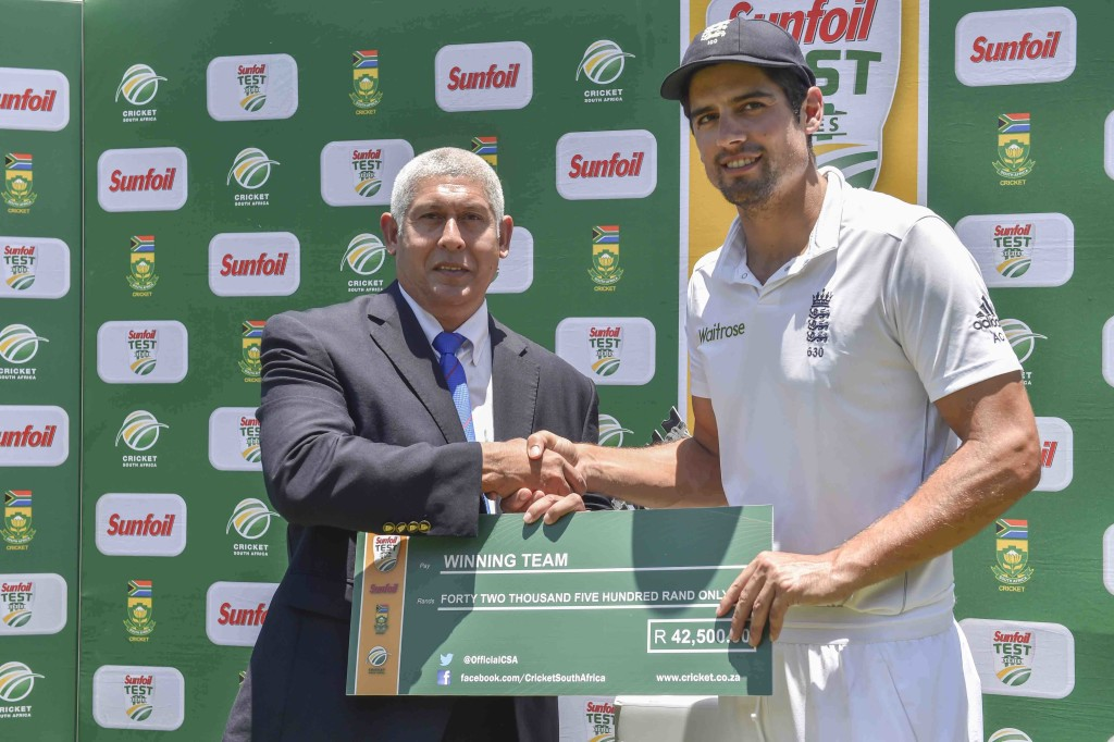 Cook praises Moeen's efforts