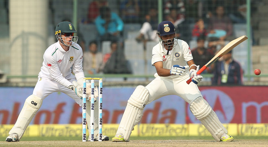 India stretch lead to 403