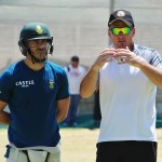 Former South Africa captain Graeme Smith chats to Faf du Plessis