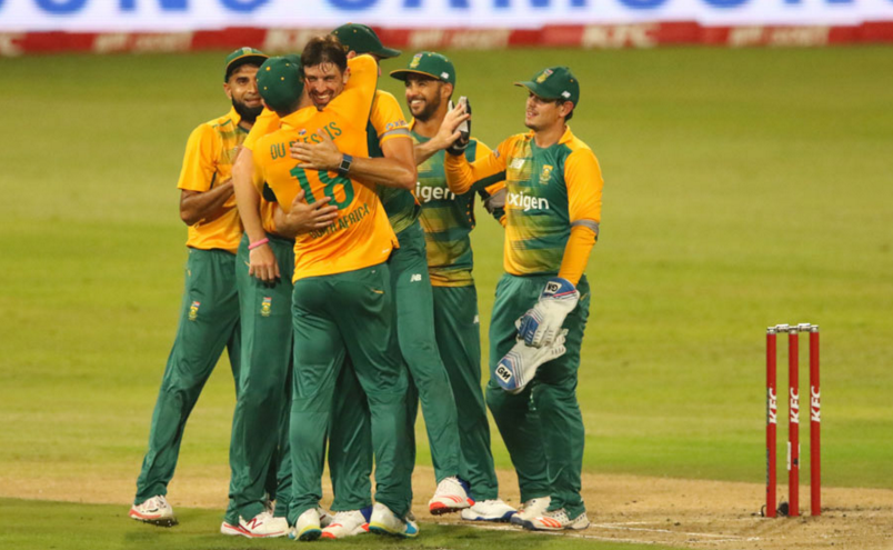 Australia falter after good start