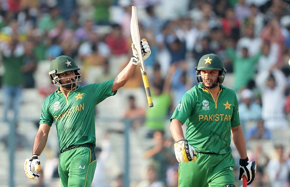 Pakistan get off to winning start