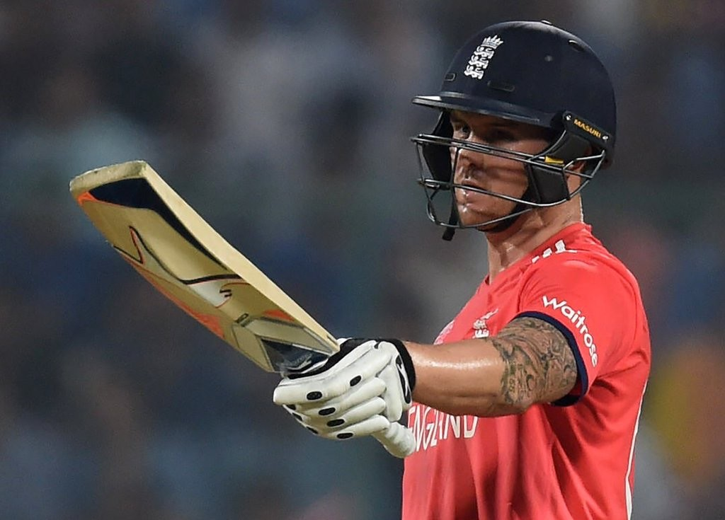 Roy smashes England to victory