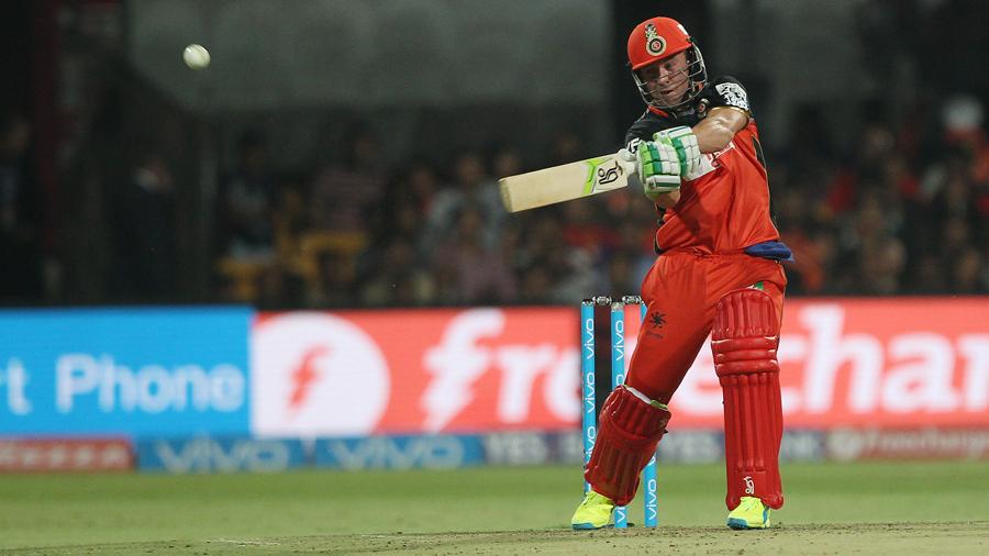 De Villiers stars in RCB victory