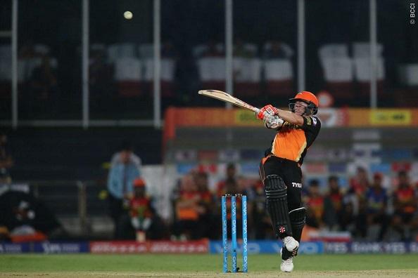 Warner steers Sunrisers to victory