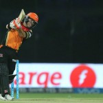 Warner leads Sunrisers to final