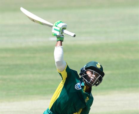 Bavuma hits debut ton as SA post 354