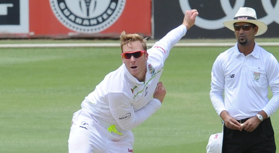 Harmer steps up to Essex contract