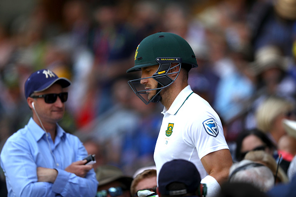 Faf booed, Cook holds firm