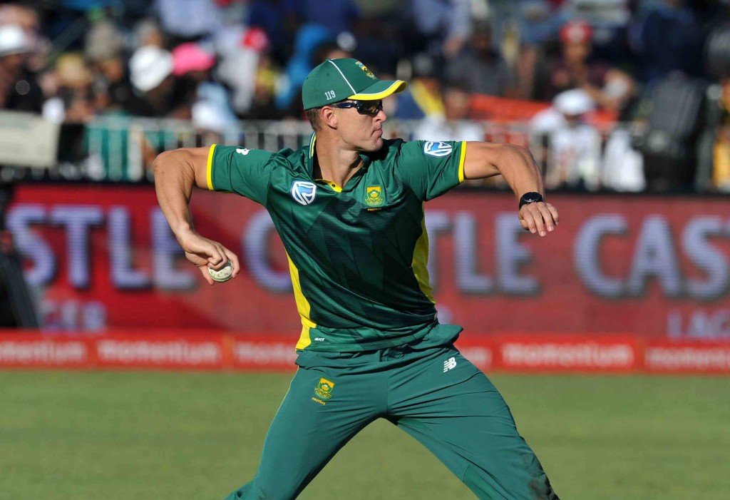Pretorius in as Proteas bowl first