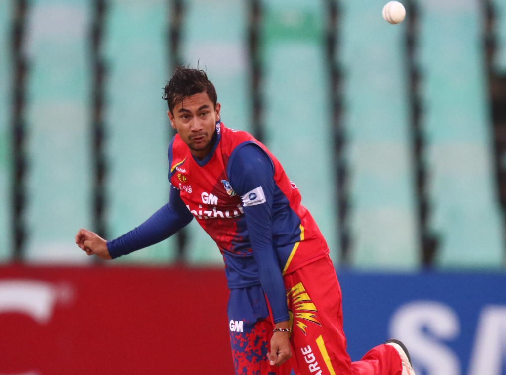Fortuin silences the Dolphins