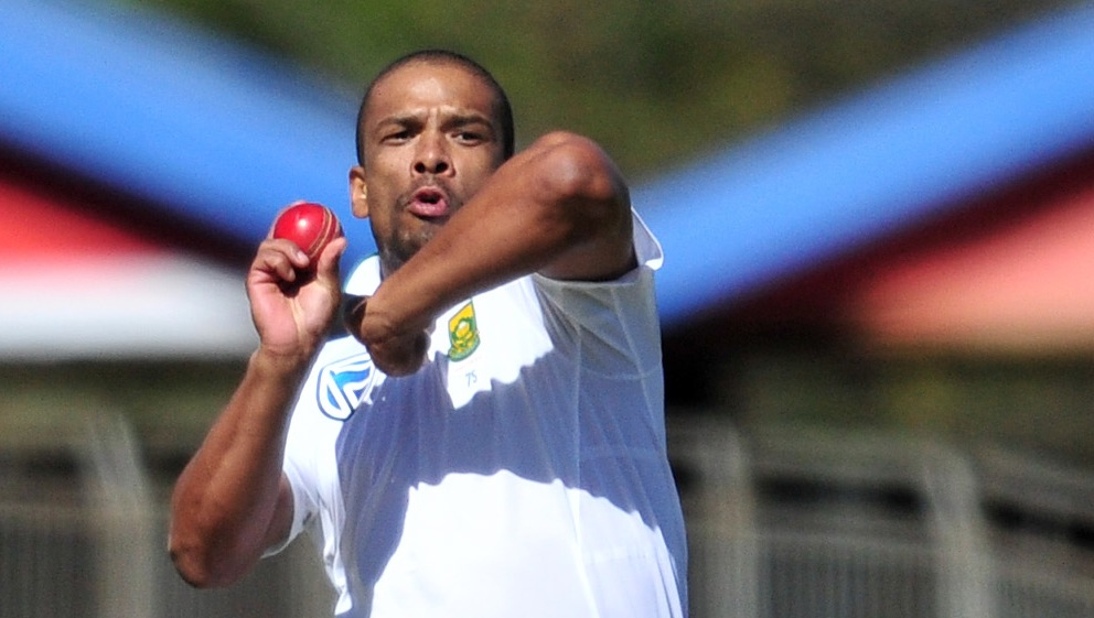 Philander joins Sussex