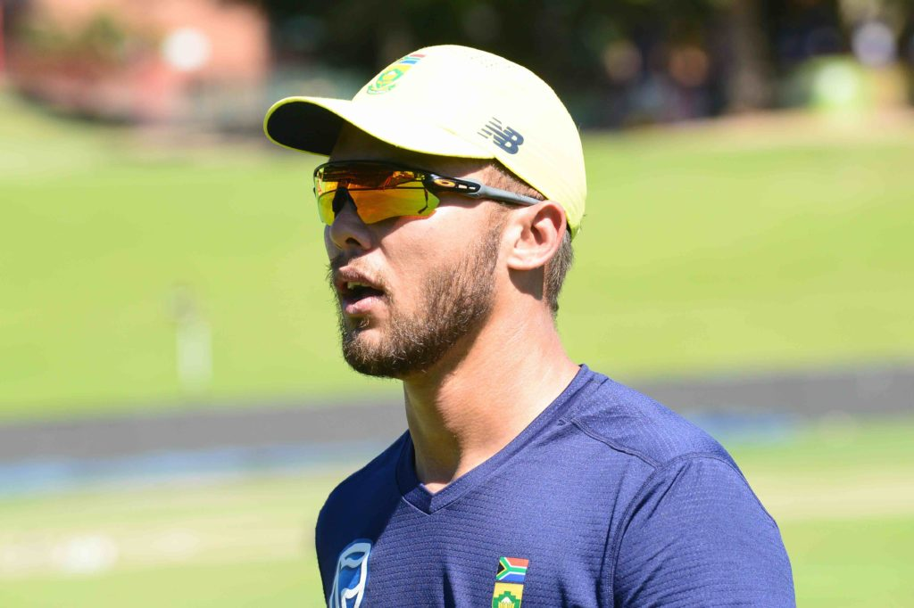 AB in at No 3 as Proteas bat