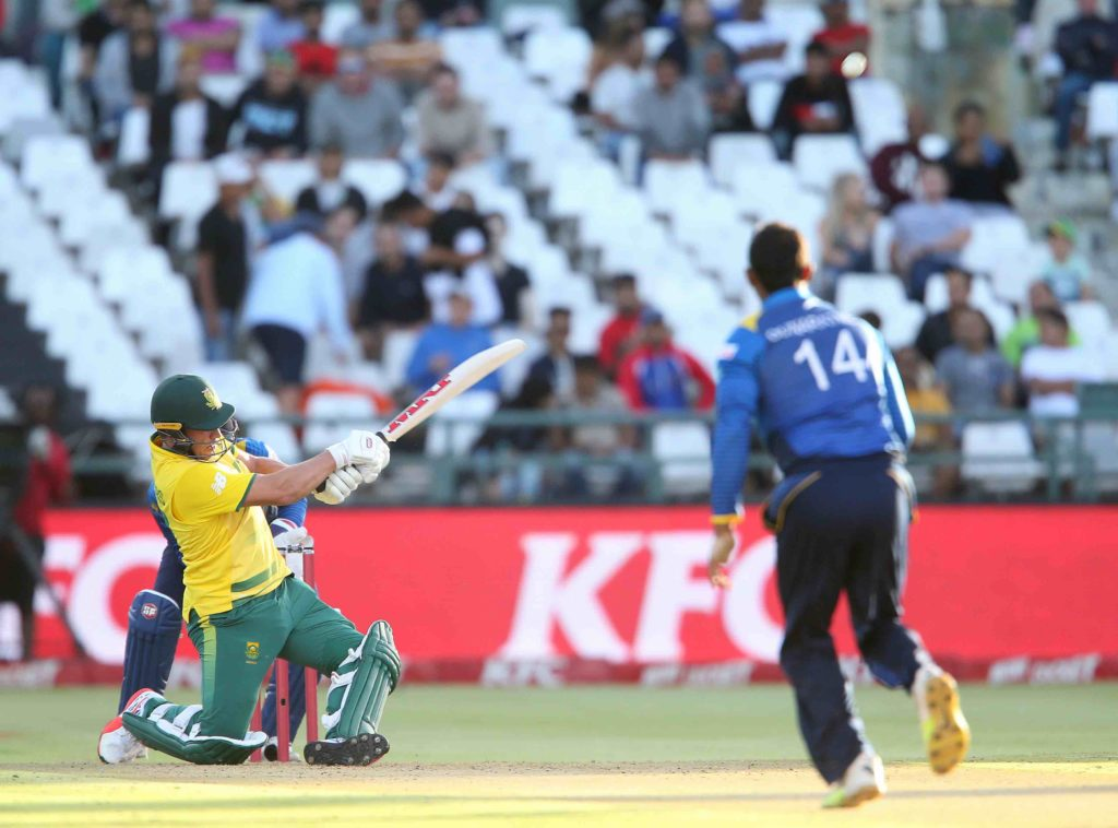 De Villiers 63 helps Proteas to 169