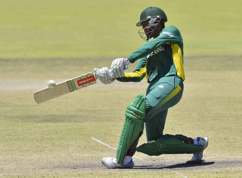 Mayet ton fires SA to victory