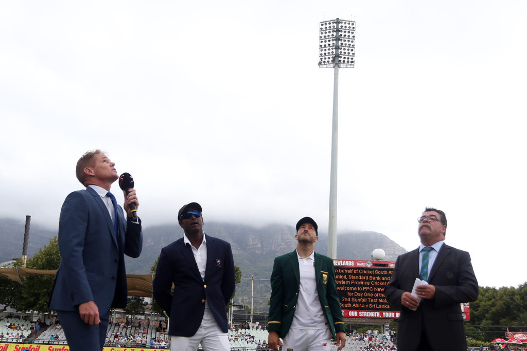 Unchanged South Africa lose toss, bat first