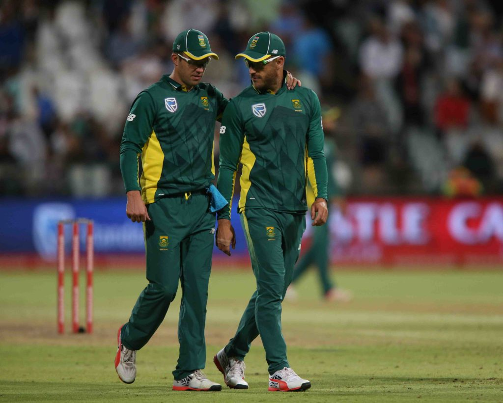 No 1 up for grabs as Proteas bat