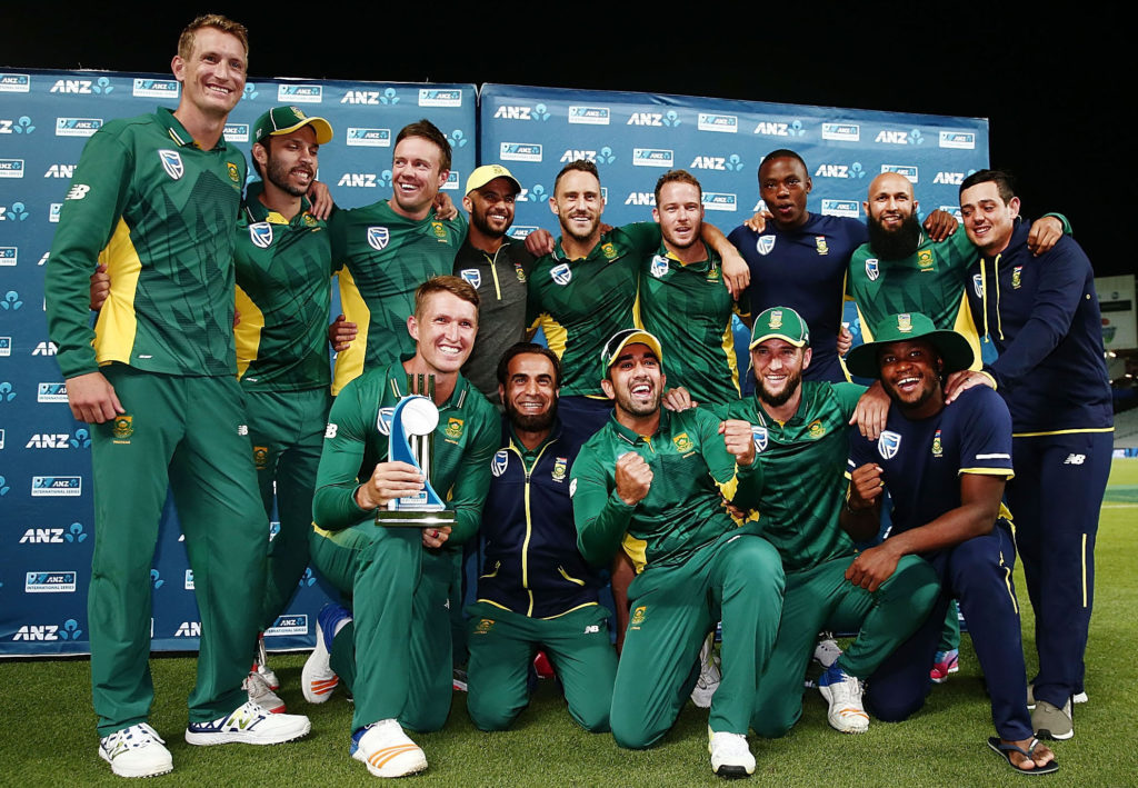 CSA, Saca battle over contracts