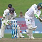 De Kock piles pressure on Kiwis