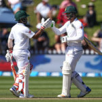 De Bruyn in as Proteas bat