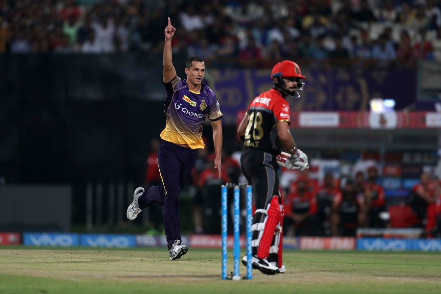 AB returns, but RCB blown away for 49