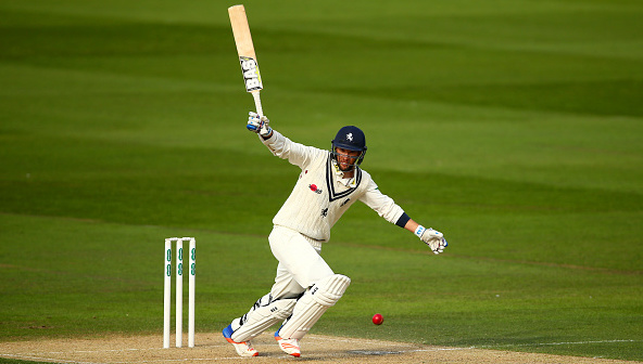 Parnell helps Kent hold lead