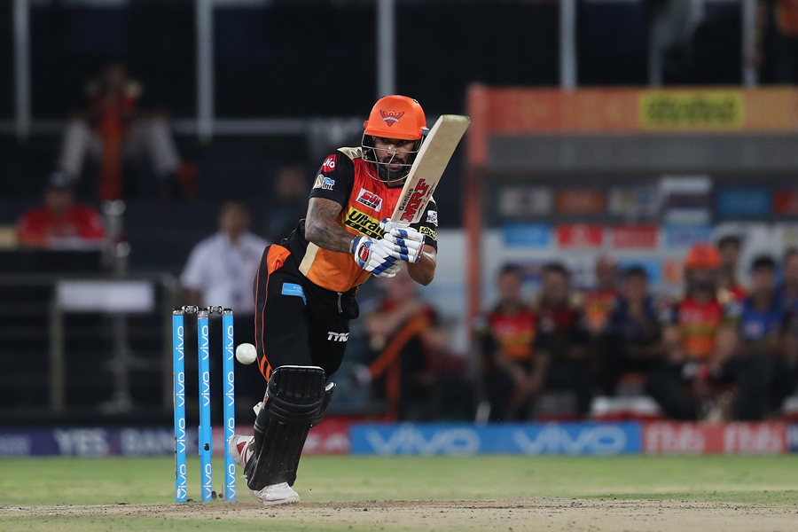 Dhawan strengthens SRH's playoff surge
