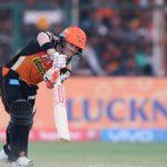 Warner, Shankar guide SRH into playoffs