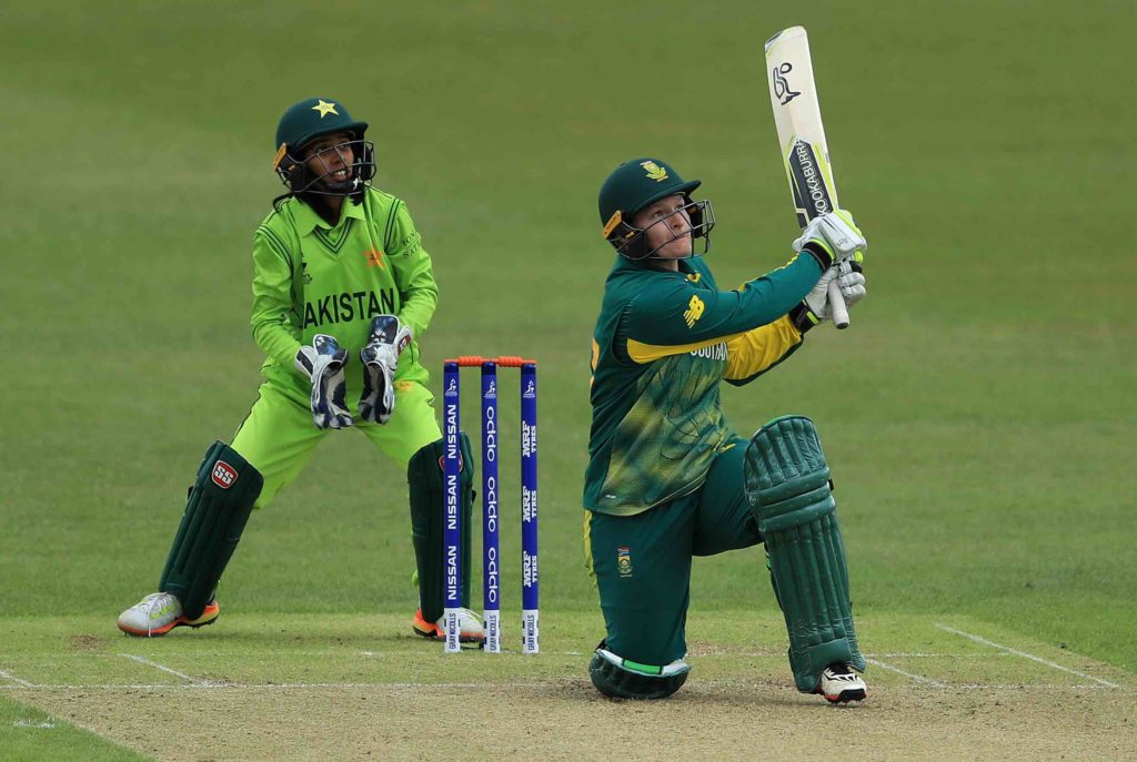 Proteas edge to victory in World Cup opener