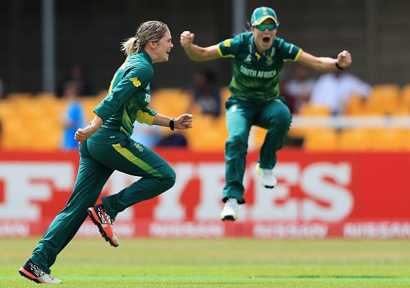 Lee, Van Niekerk destroy India
