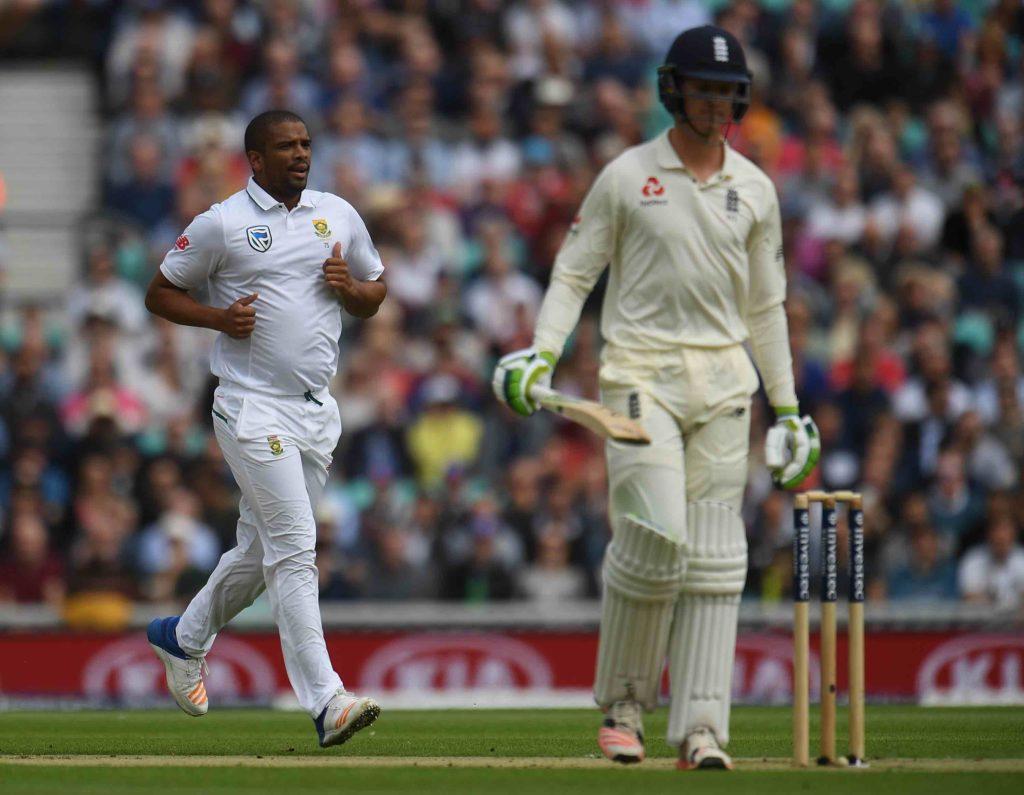 Philander gets Jennings, England push on