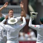 Morkel leads bowling charge