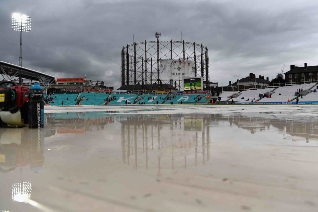 Rain not expected to save Proteas on day four
