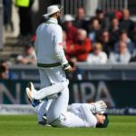 De Kock's mixed day