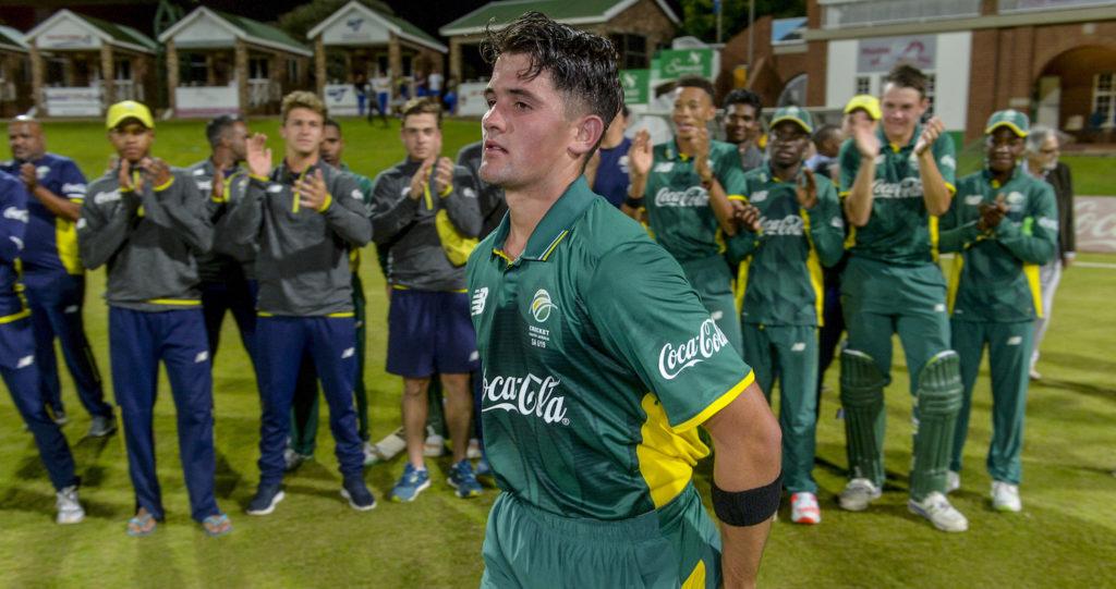 Niemand stars as SA snatch Tri-Series final
