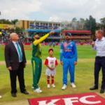 South Africa field first after winning toss
