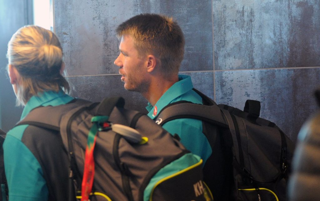 Warner quits Sunrisers captaincy