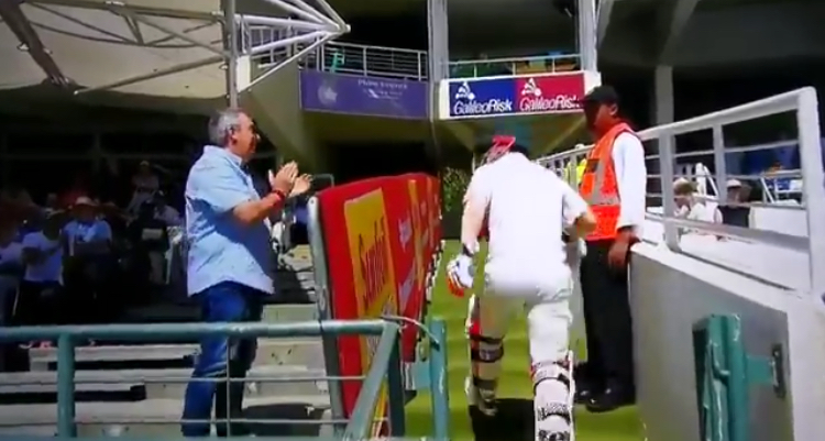 Fan ejected for Warner abuse