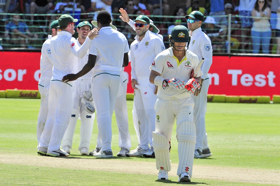 Aussies on the ropes