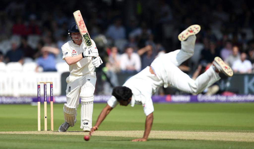 England tail rallies after Pakistan onslaught